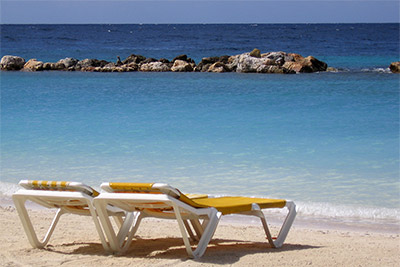 Sun loungers in Cala Blanca