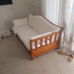 Where can I buy second-hand furniture in Menorca, ideally in or near Mahon?